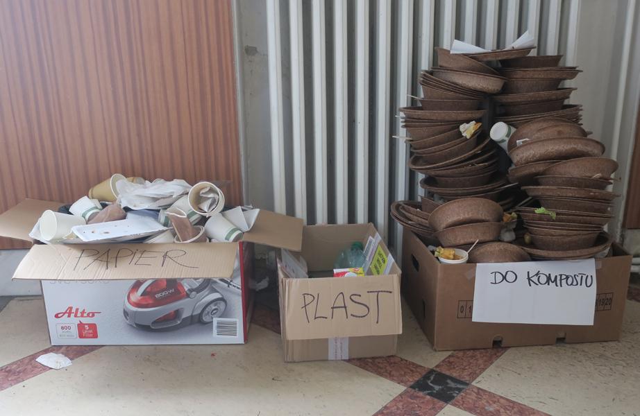 Zber odpadu bol riešený jednoducho, ale účelne